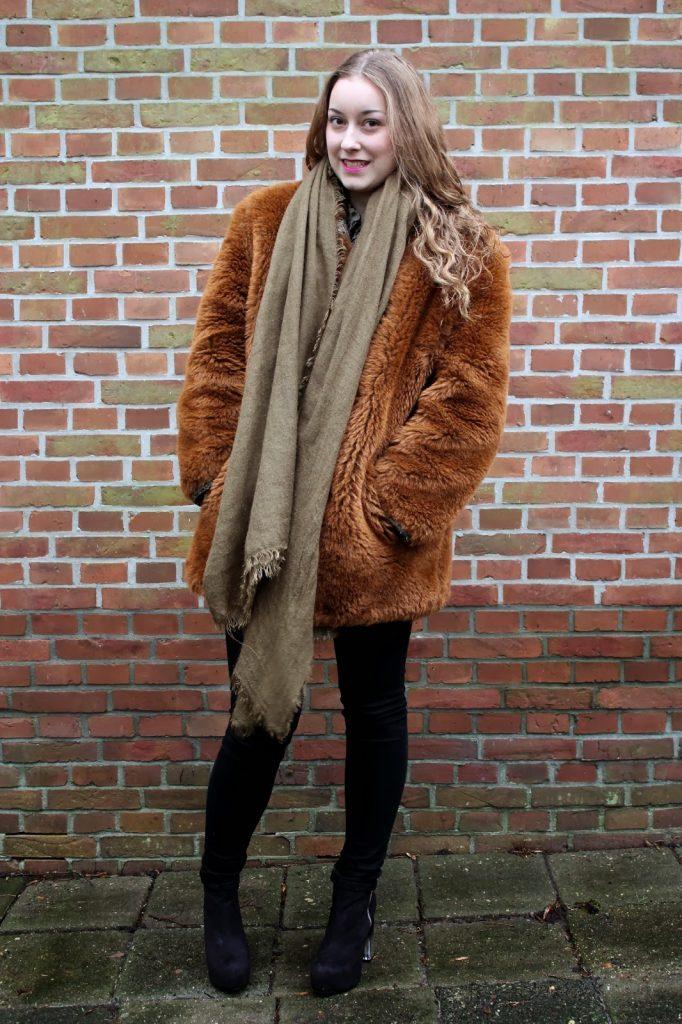 Bruine Teddy Jas.New In Teddycoat Anna Jirina