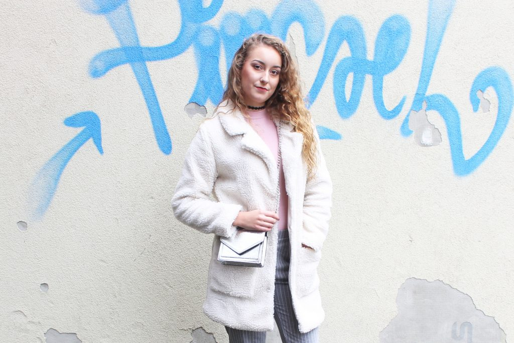OUTFIT OF THE DAY | FLUFFY COAT EN STREEPJES
