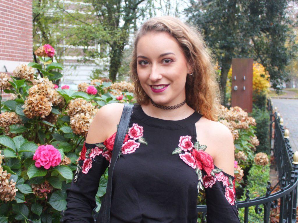 Outfit | Mijn nieuwe top met geborduurde bloemen!