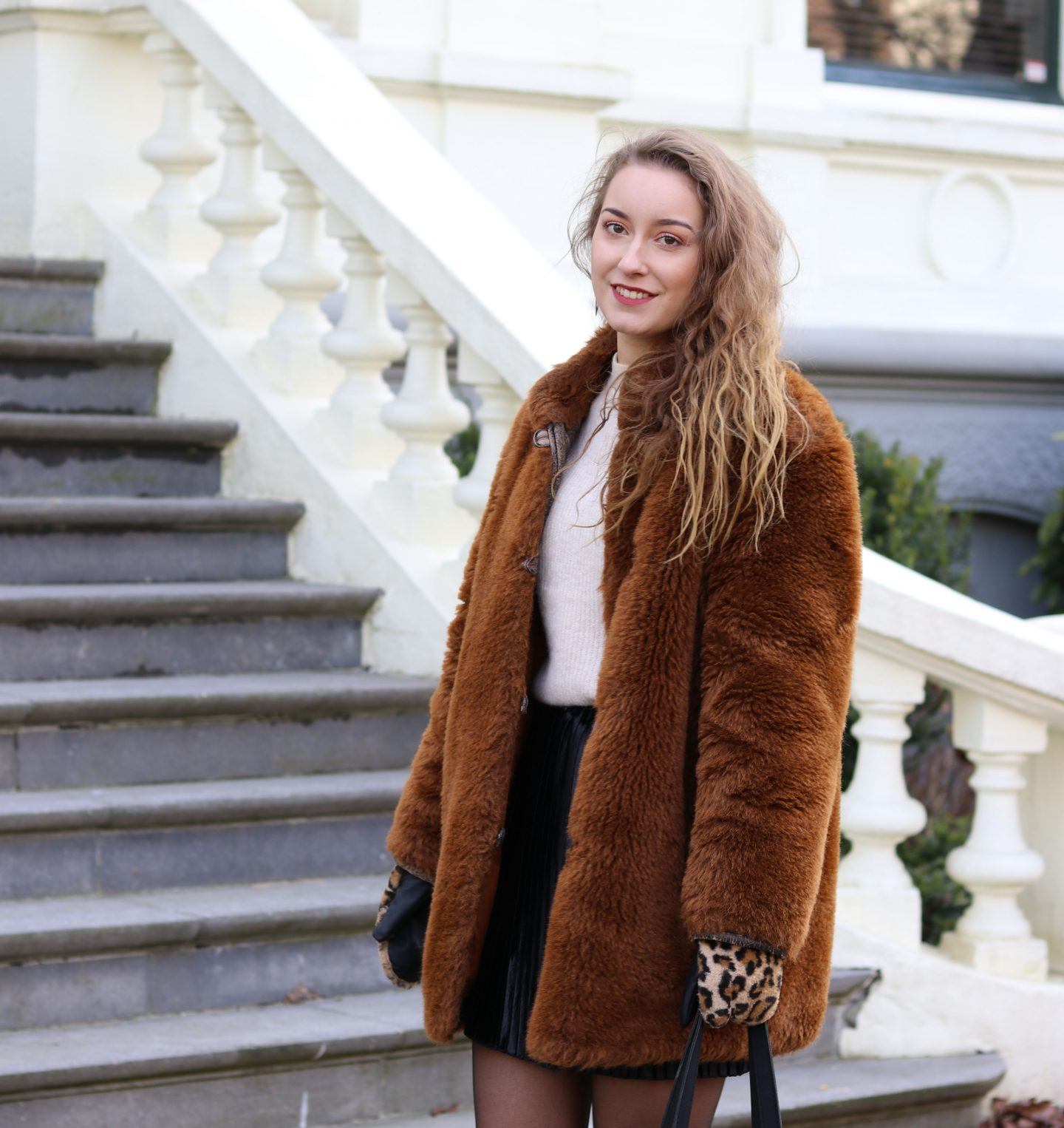 Outfit | Walking down the streets with my Teddy coat