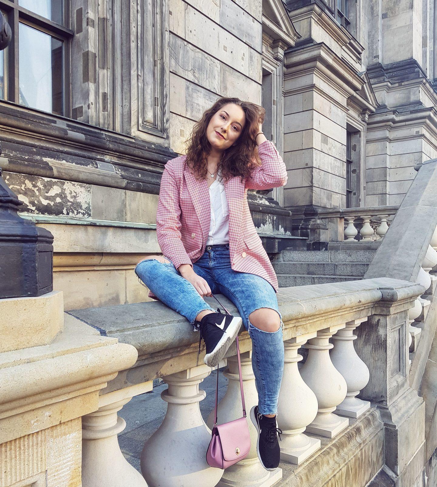 Outfit | Lentekriebels met mijn gekleurde blazer in Berlijn!